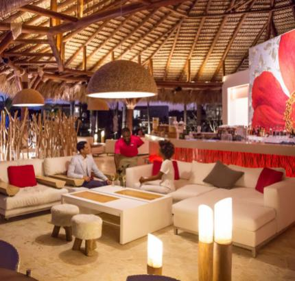 HIBISCUS BAR & LOUNGE @ Club Med Punta Cana